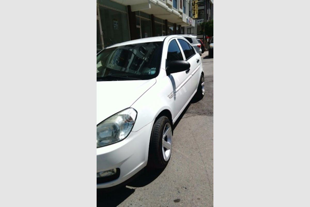 Hyundai Accent Tuzla Kiralık Araç 3. Fotoğraf