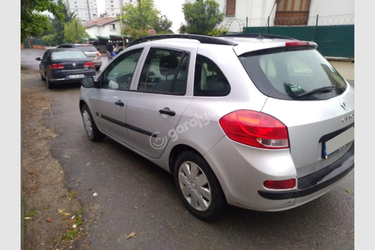 Renault Clio Pendik Kiralık Araç 2. Fotoğraf