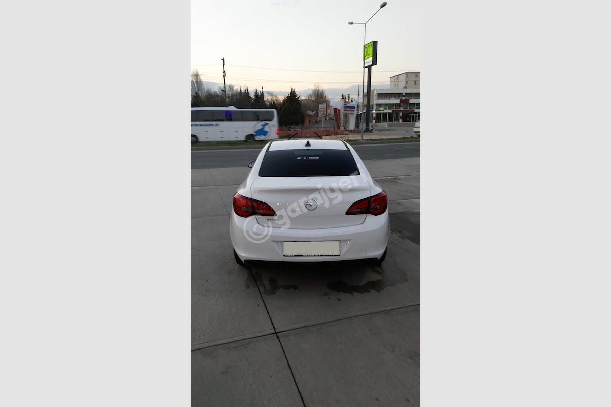Opel Astra Sedan Merkez Kiralık Araç 3. Fotoğraf