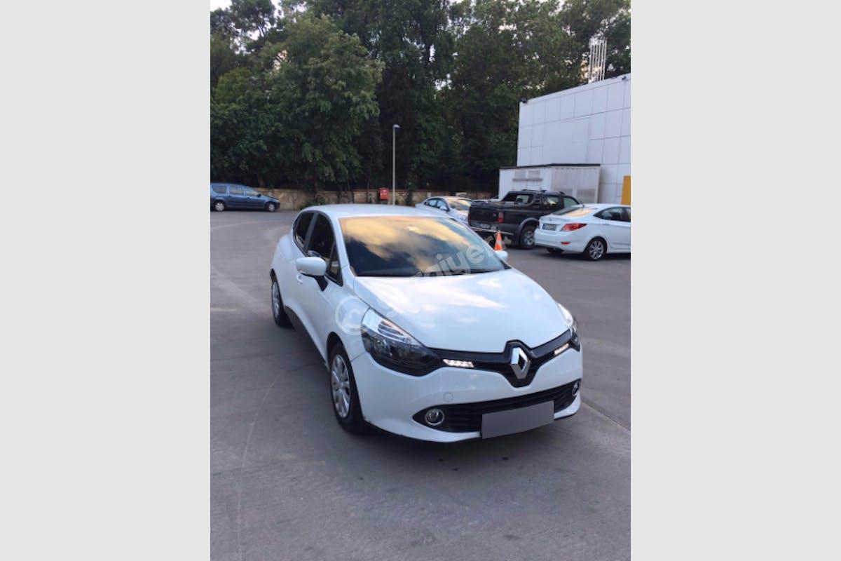 Renault Clio Sarıyer Kiralık Araç 3. Fotoğraf