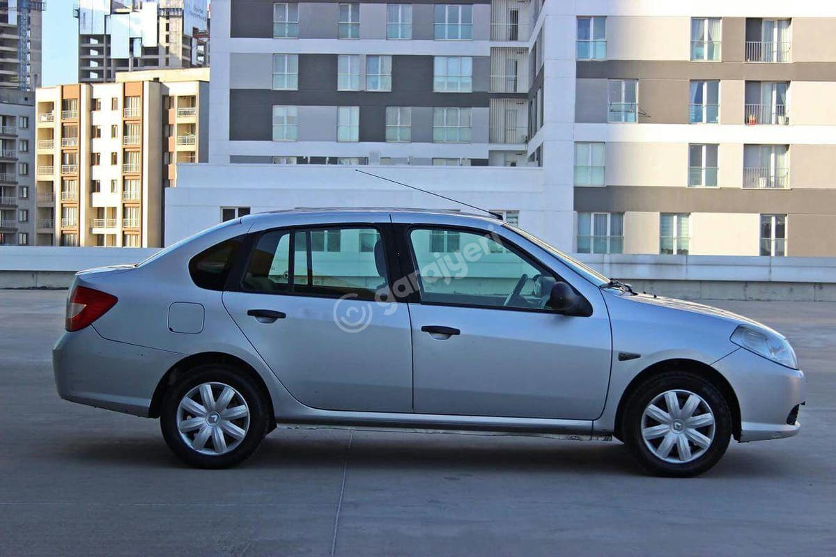 Renault Symbol Küçükçekmece Kiralık Araç 5. Fotoğraf