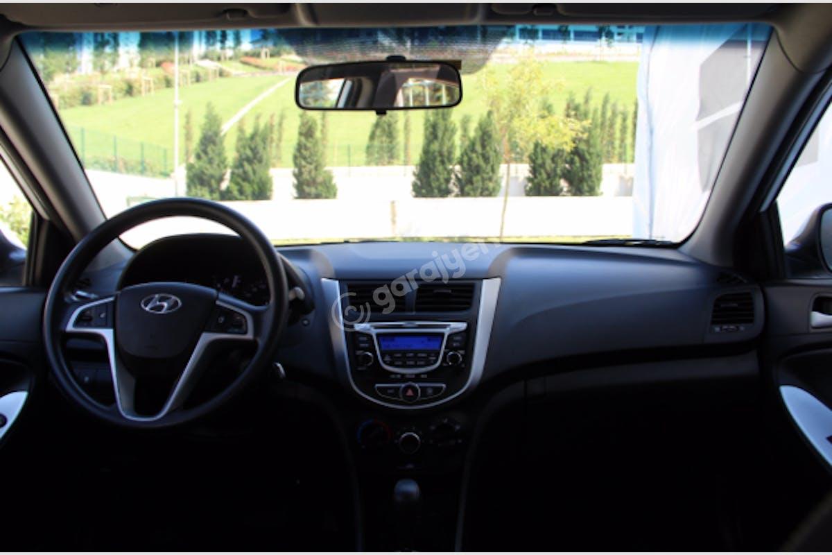 Hyundai Accent Blue Maltepe Kiralık Araç 6. Fotoğraf