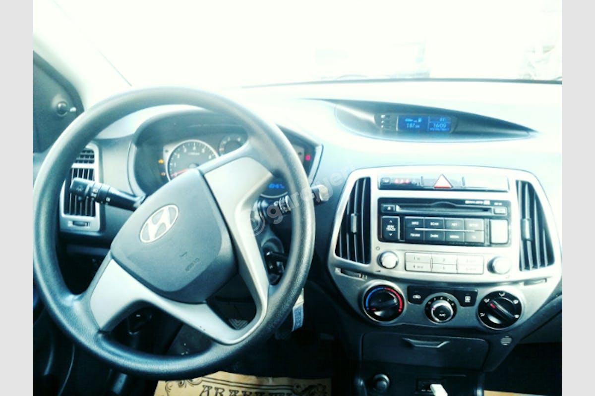 Hyundai i20 Eyüp Kiralık Araç 6. Fotoğraf