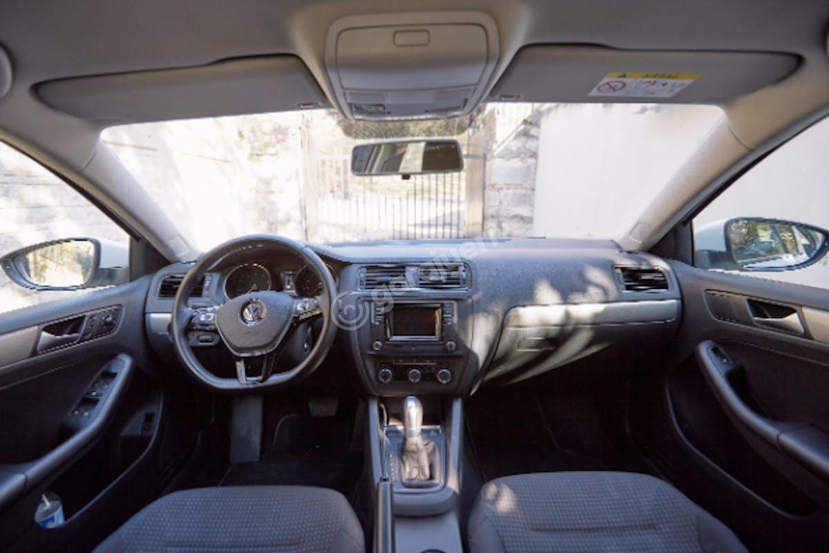 Volkswagen Jetta Sarıyer Kiralık Araç 7. Fotoğraf