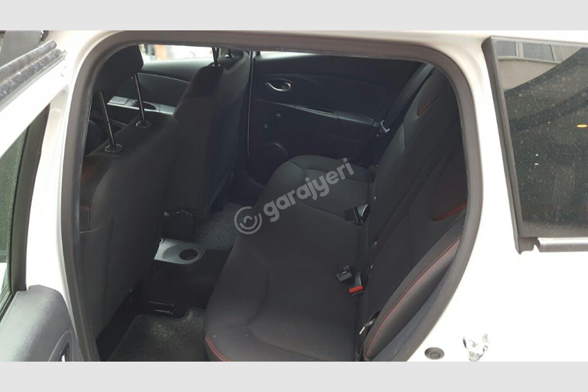 Renault Clio Zeytinburnu Kiralık Araç 9. Fotoğraf