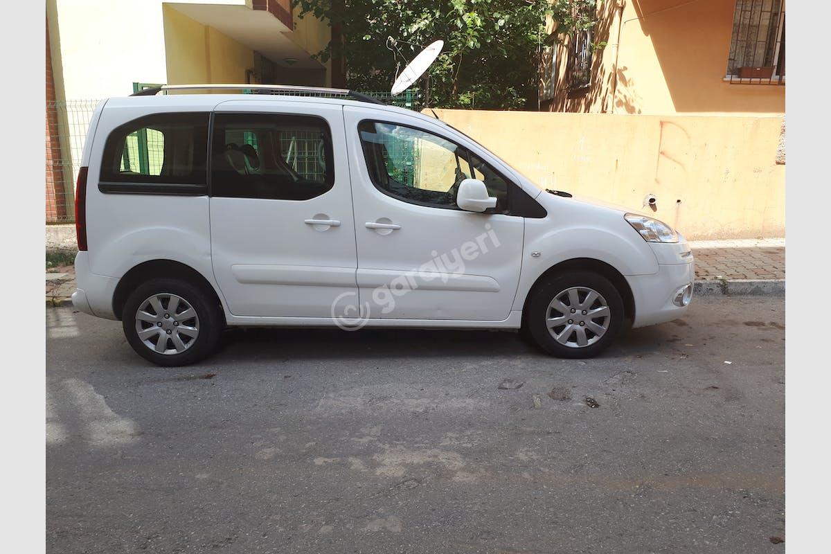 Peugeot Partner Ümraniye Kiralık Araç 3. Fotoğraf