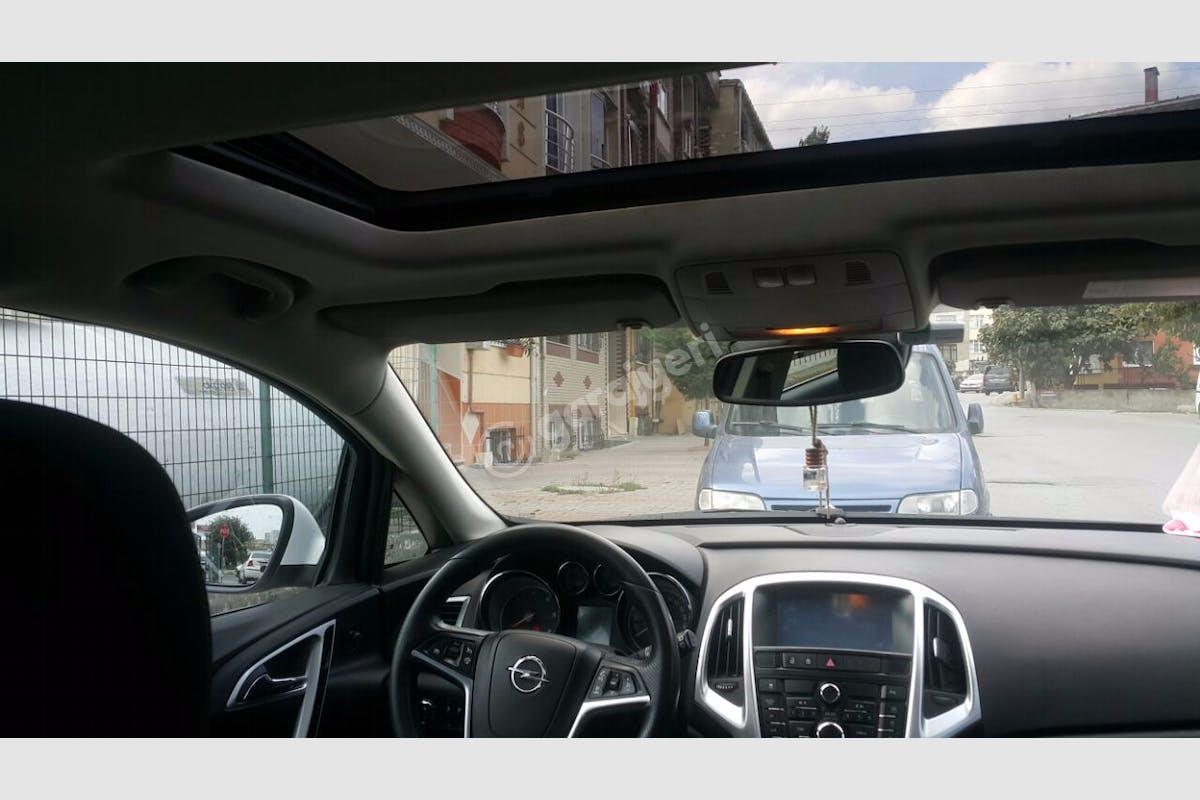 Opel Astra Beylikdüzü Kiralık Araç 2. Fotoğraf