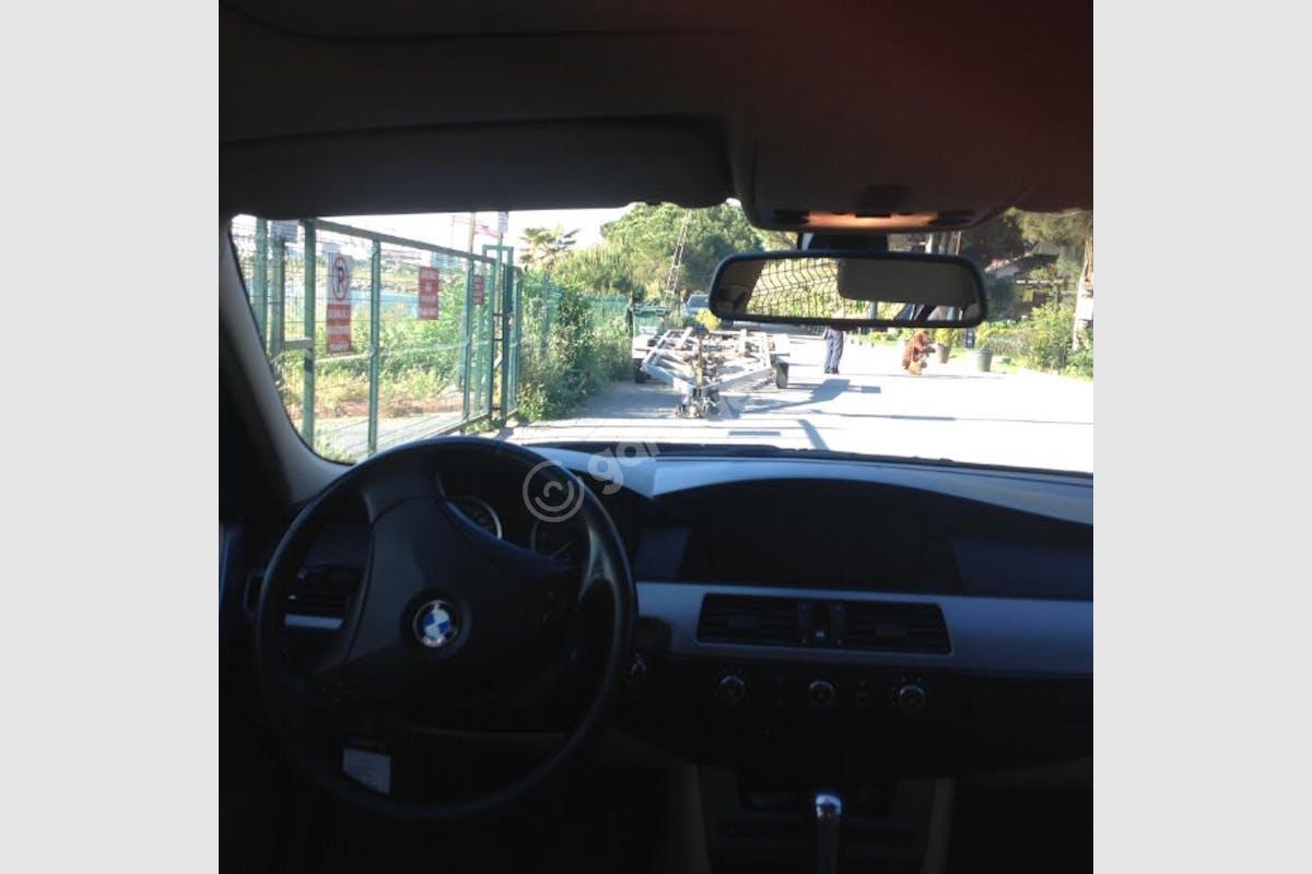 BMW 5 Sabiha Gökçen Havaalanı Kiralık Araç 5. Fotoğraf