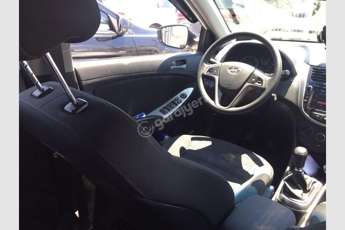 Hyundai Accent Blue Gaziosmanpaşa Kiralık Araç 3. Fotoğraf