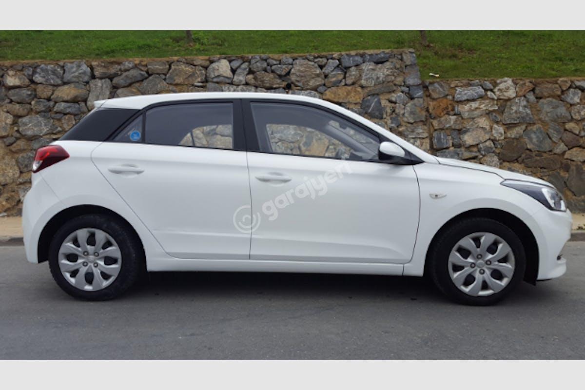 Hyundai i20 Pendik Kiralık Araç 2. Fotoğraf