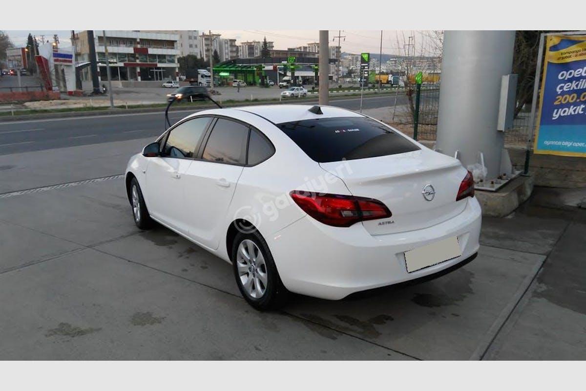 Opel Astra Sedan Merkez Kiralık Araç 1. Fotoğraf