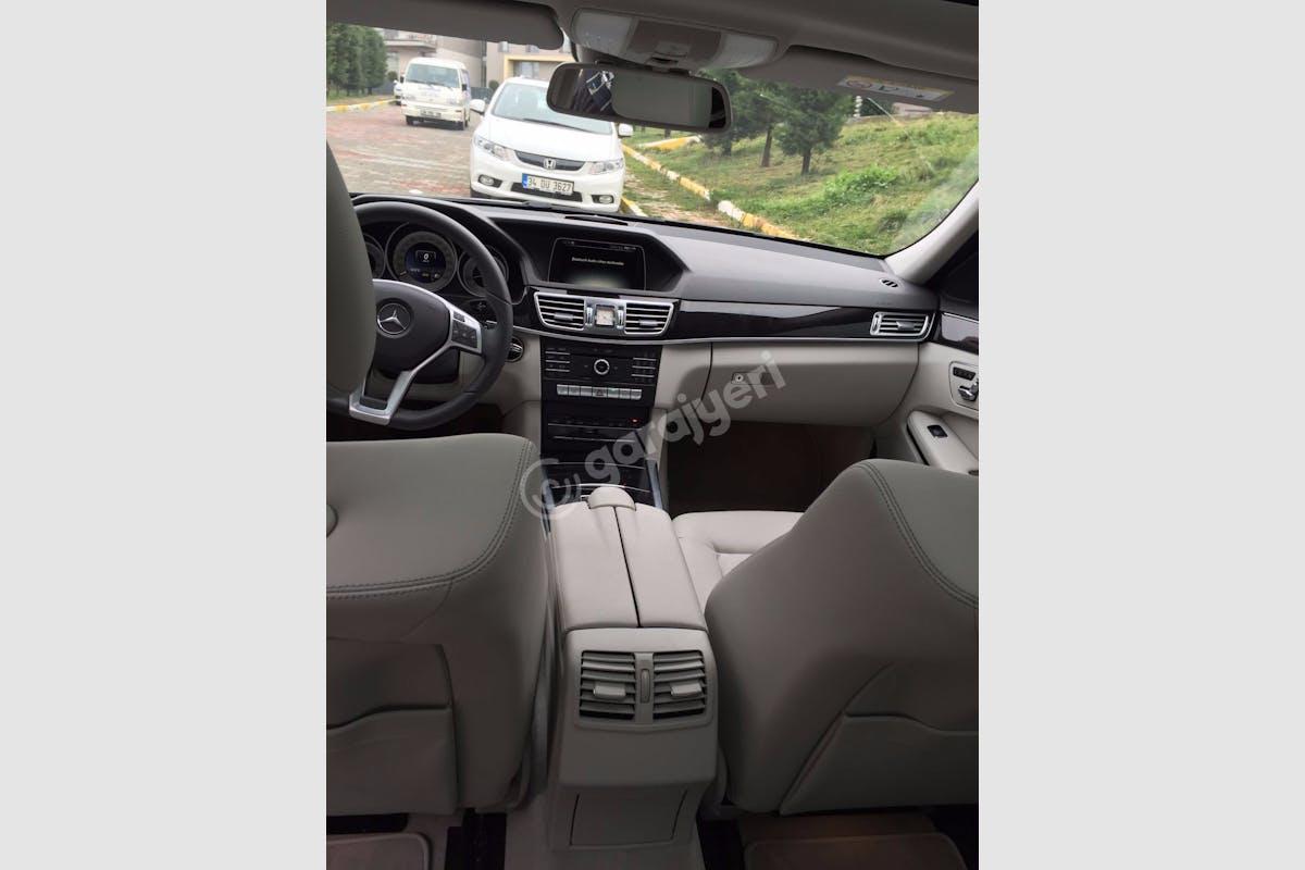 Mercedes - Benz E Eyüp Kiralık Araç 3. Fotoğraf
