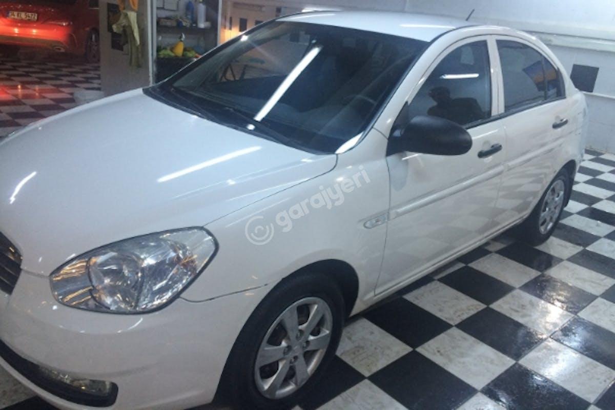 Hyundai Accent Sultanbeyli Kiralık Araç 3. Fotoğraf