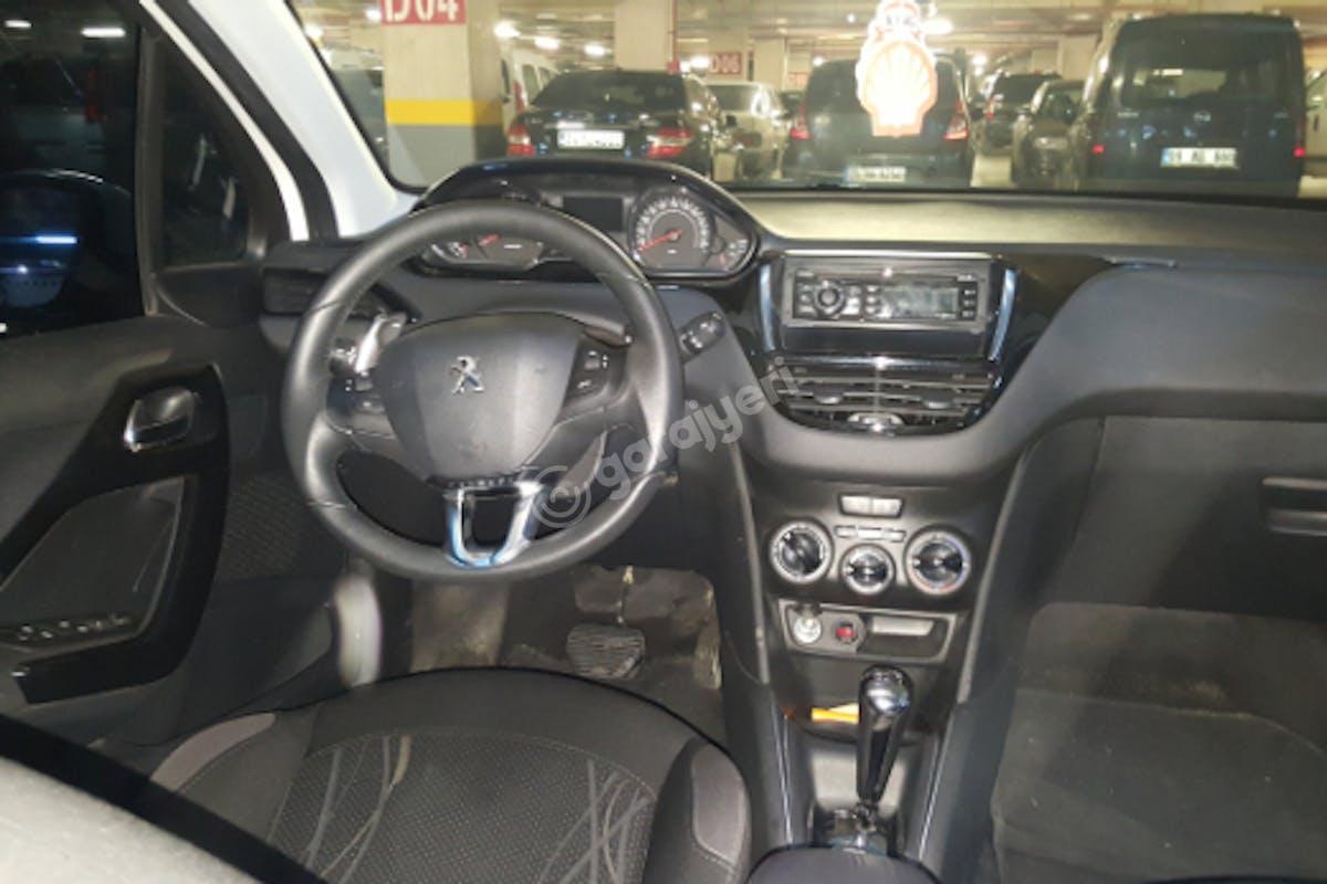 Peugeot 208 Tuzla Kiralık Araç 3. Fotoğraf