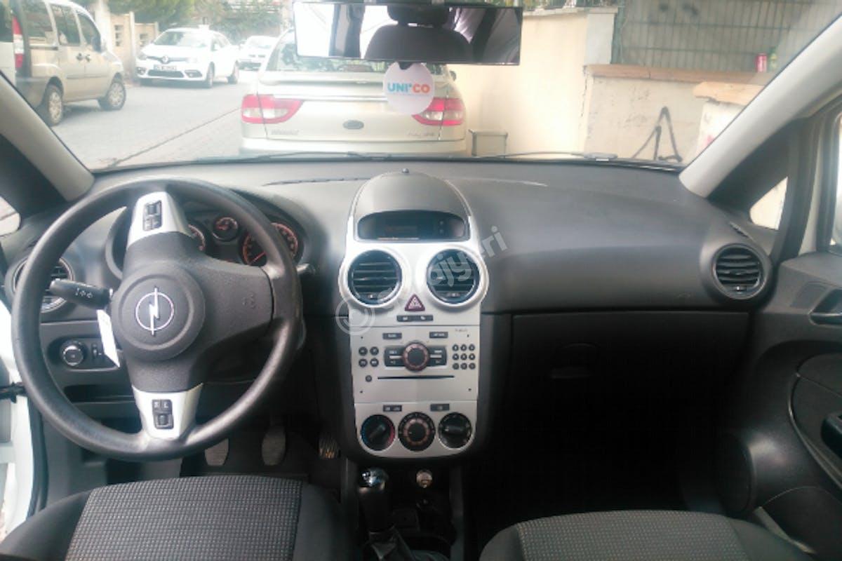 Opel Corsa Kadıköy Kiralık Araç 7. Fotoğraf