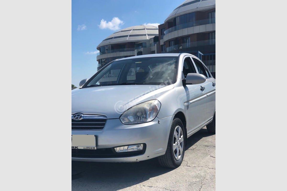 Hyundai Accent Era Eyüp Kiralık Araç 2. Fotoğraf