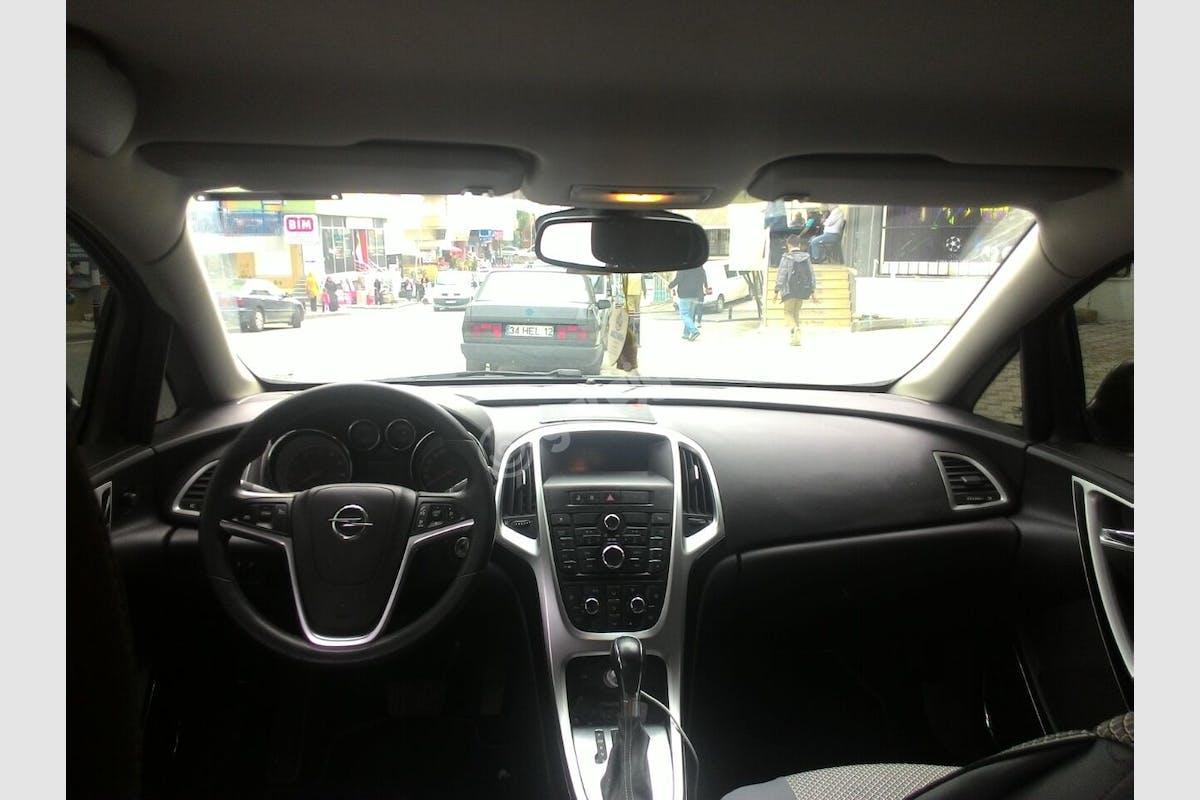 Opel Astra Ataşehir Kiralık Araç 2. Fotoğraf