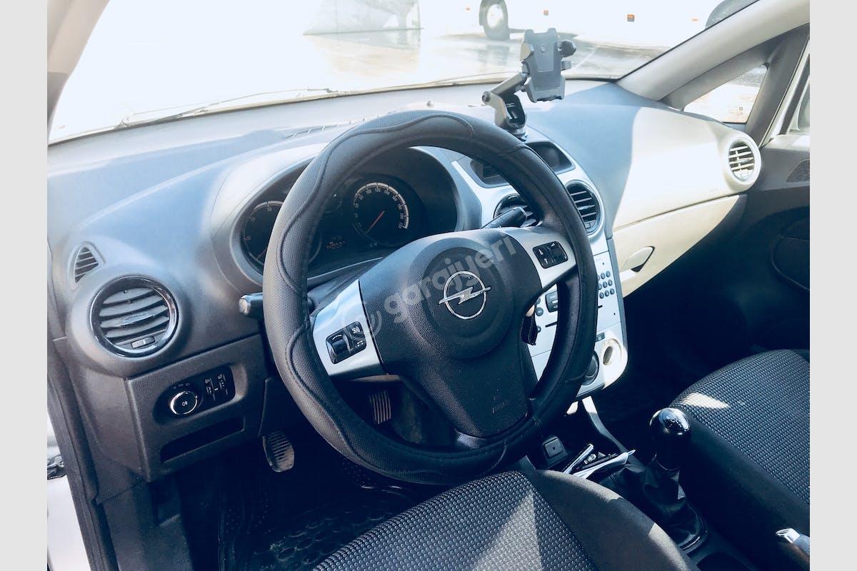 Opel Corsa Toroslar Kiralık Araç 3. Fotoğraf