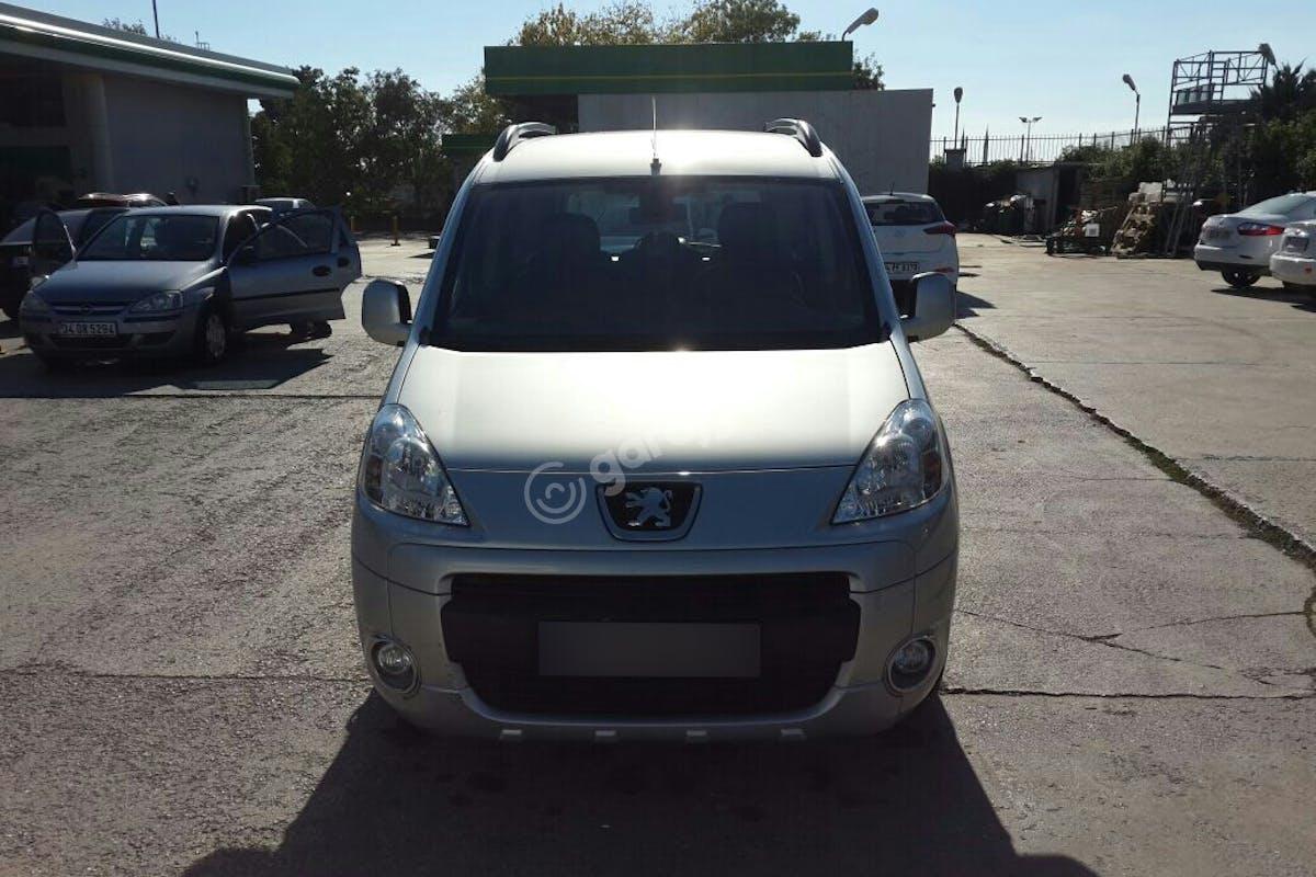 Peugeot Partner Kartal Kiralık Araç 3. Fotoğraf