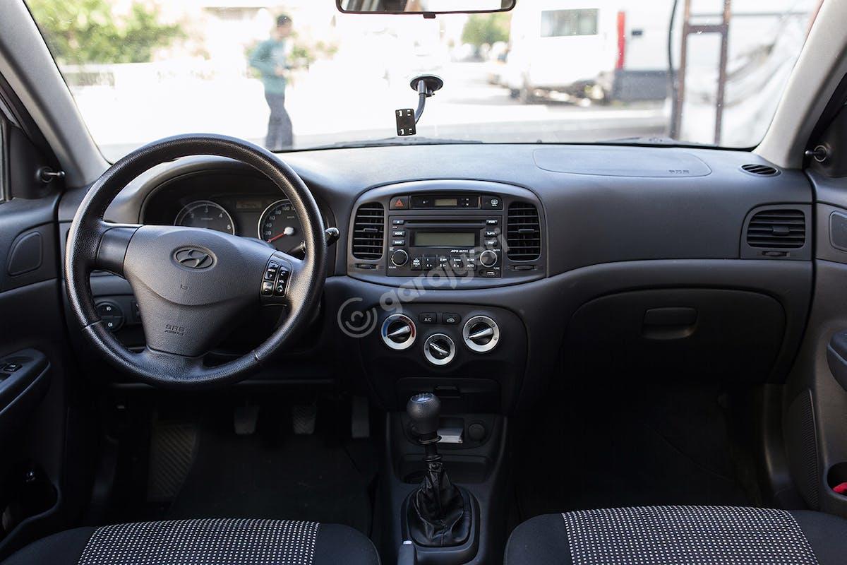 Hyundai Accent Bahçelievler Kiralık Araç 7. Fotoğraf