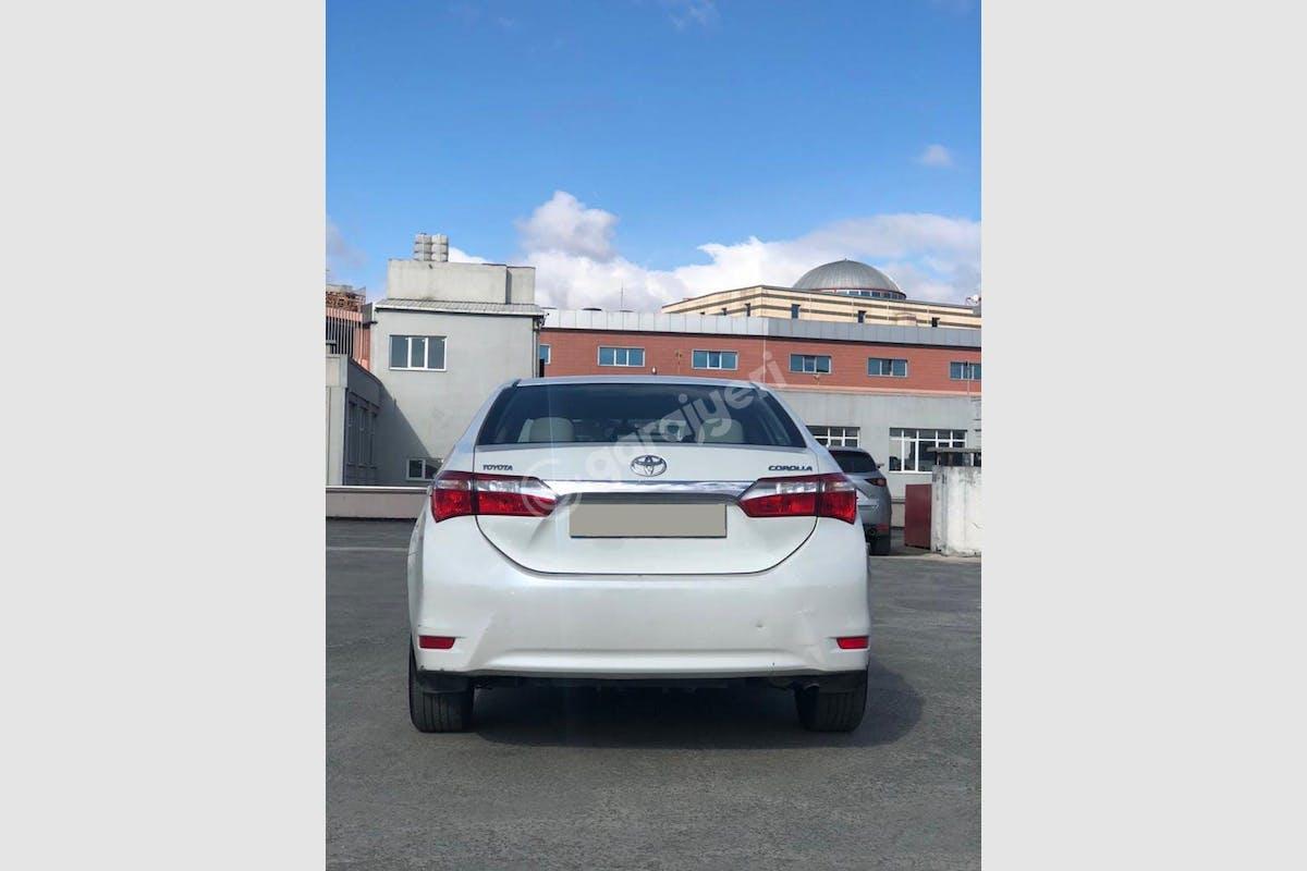 Toyota Corolla Eyüp Kiralık Araç 3. Fotoğraf
