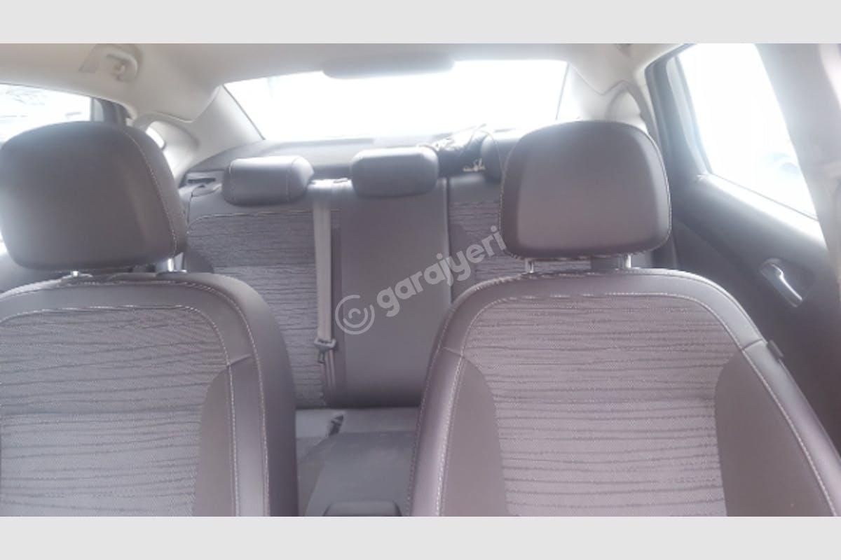 Opel Astra Sedan Beykoz Kiralık Araç 5. Fotoğraf