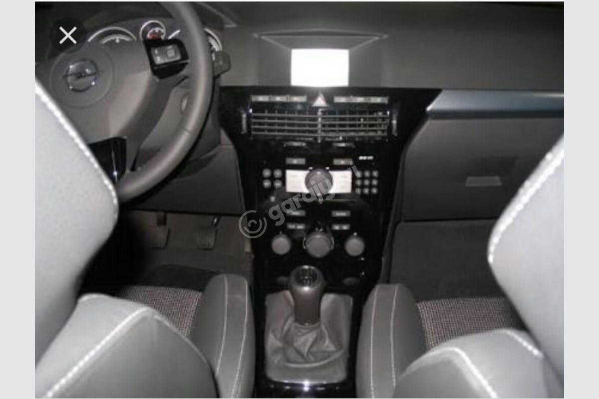 Opel Astra Sedan Mezitli Kiralık Araç 3. Fotoğraf