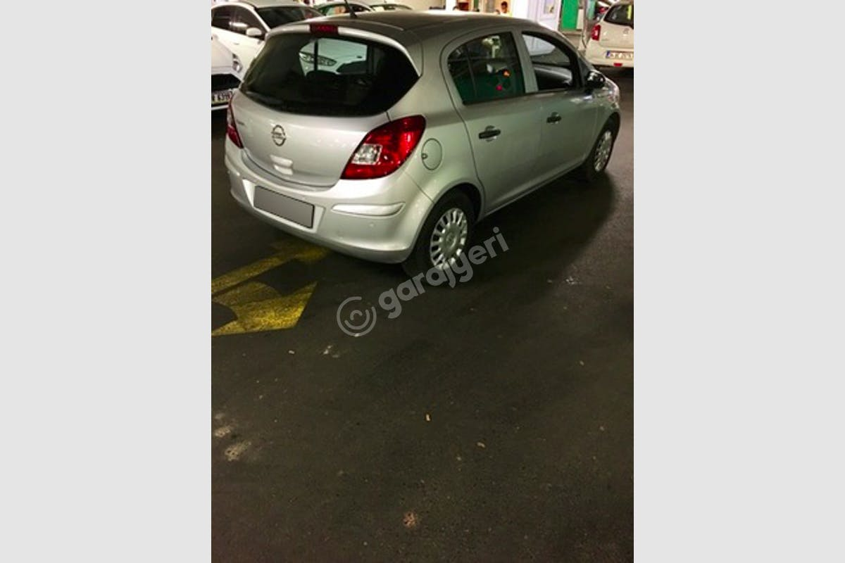 Opel Corsa Pendik Kiralık Araç 3. Fotoğraf