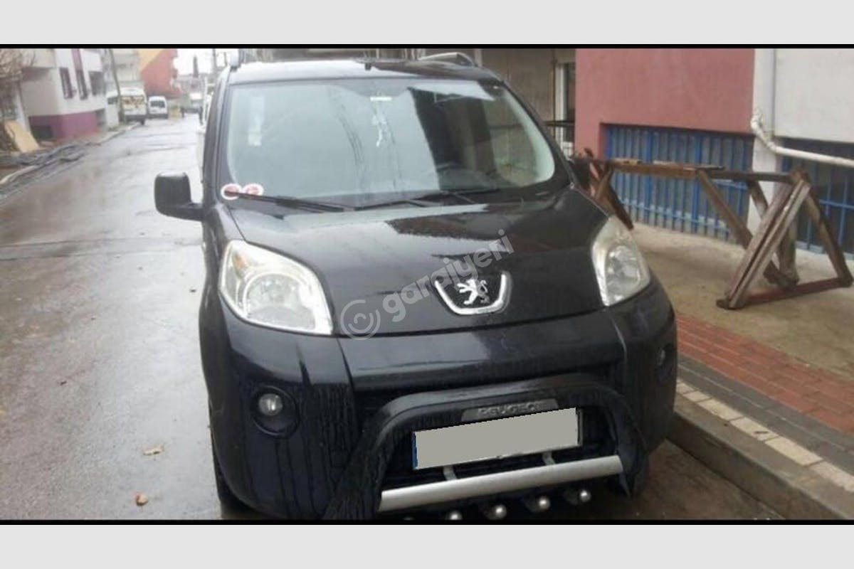 Peugeot Bipper İzmit Kiralık Araç 1. Fotoğraf