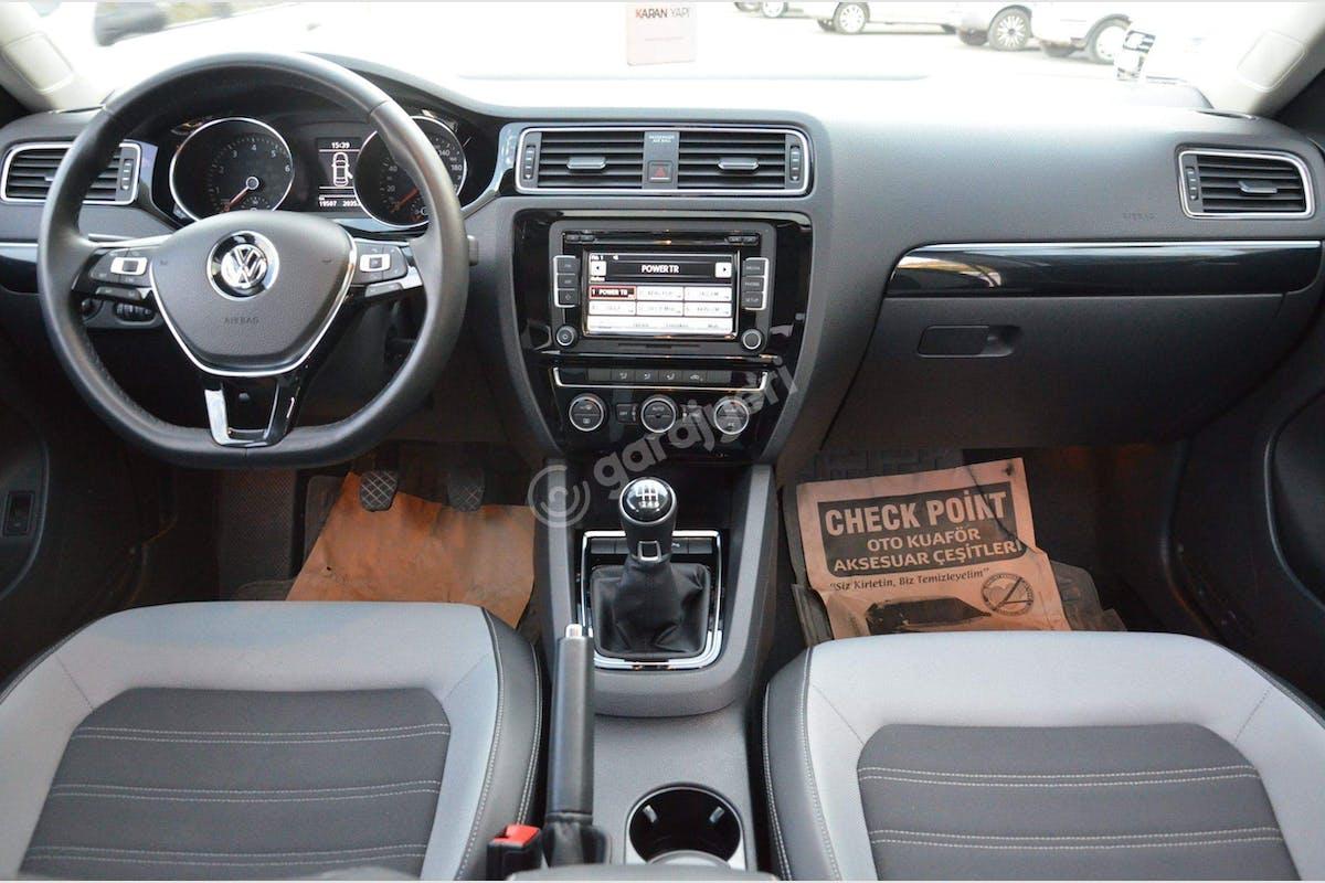 Volkswagen Jetta Merkez Kiralık Araç 2. Fotoğraf