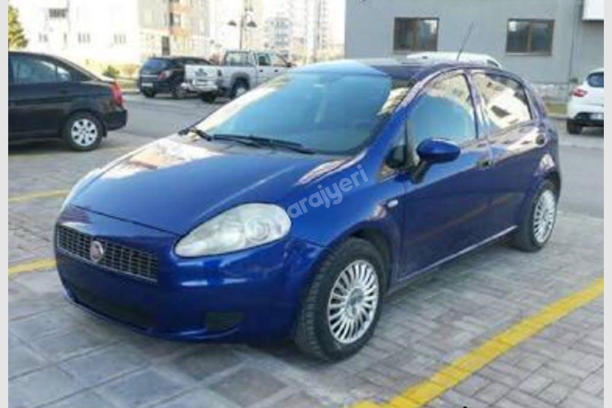 Fiat Punto Bahçelievler Kiralık Araç 1. Fotoğraf