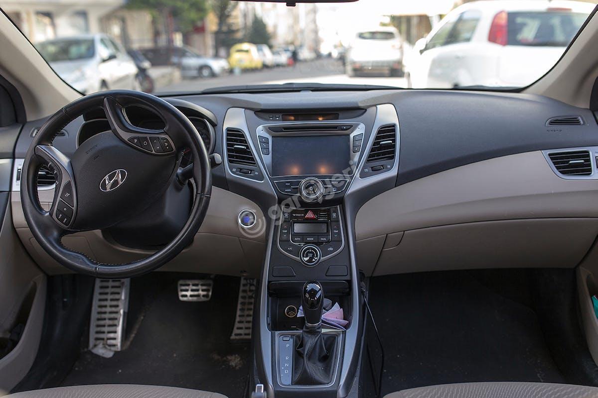 Hyundai Elantra Üsküdar Kiralık Araç 6. Fotoğraf