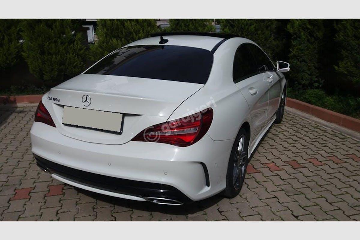 Mercedes - Benz CLA Buca Kiralık Araç 9. Fotoğraf
