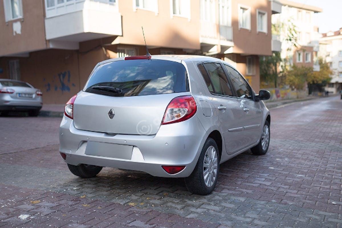 Renault Clio Bahçelievler Kiralık Araç 8. Fotoğraf