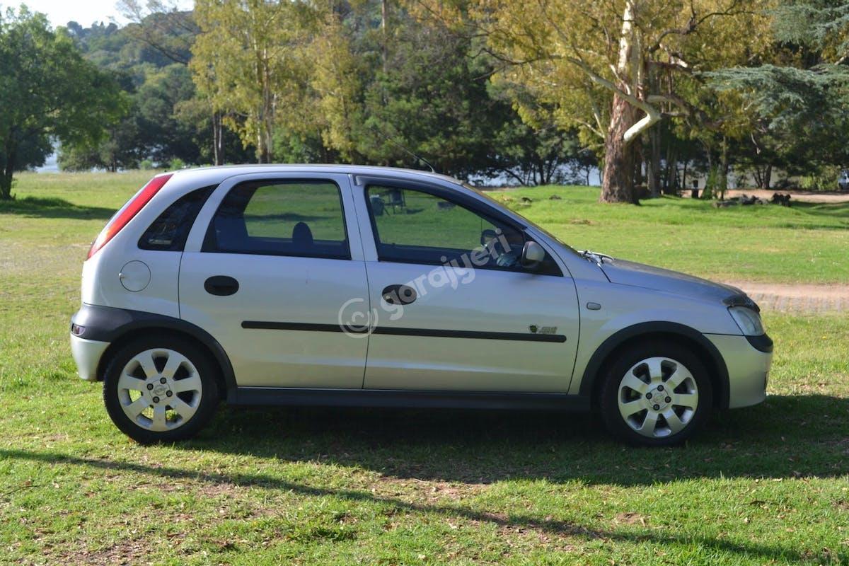 Opel Corsa Avcılar Kiralık Araç 1. Fotoğraf