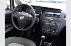Fiat Linea Bağcılar Kiralık Araç 10. Thumbnail