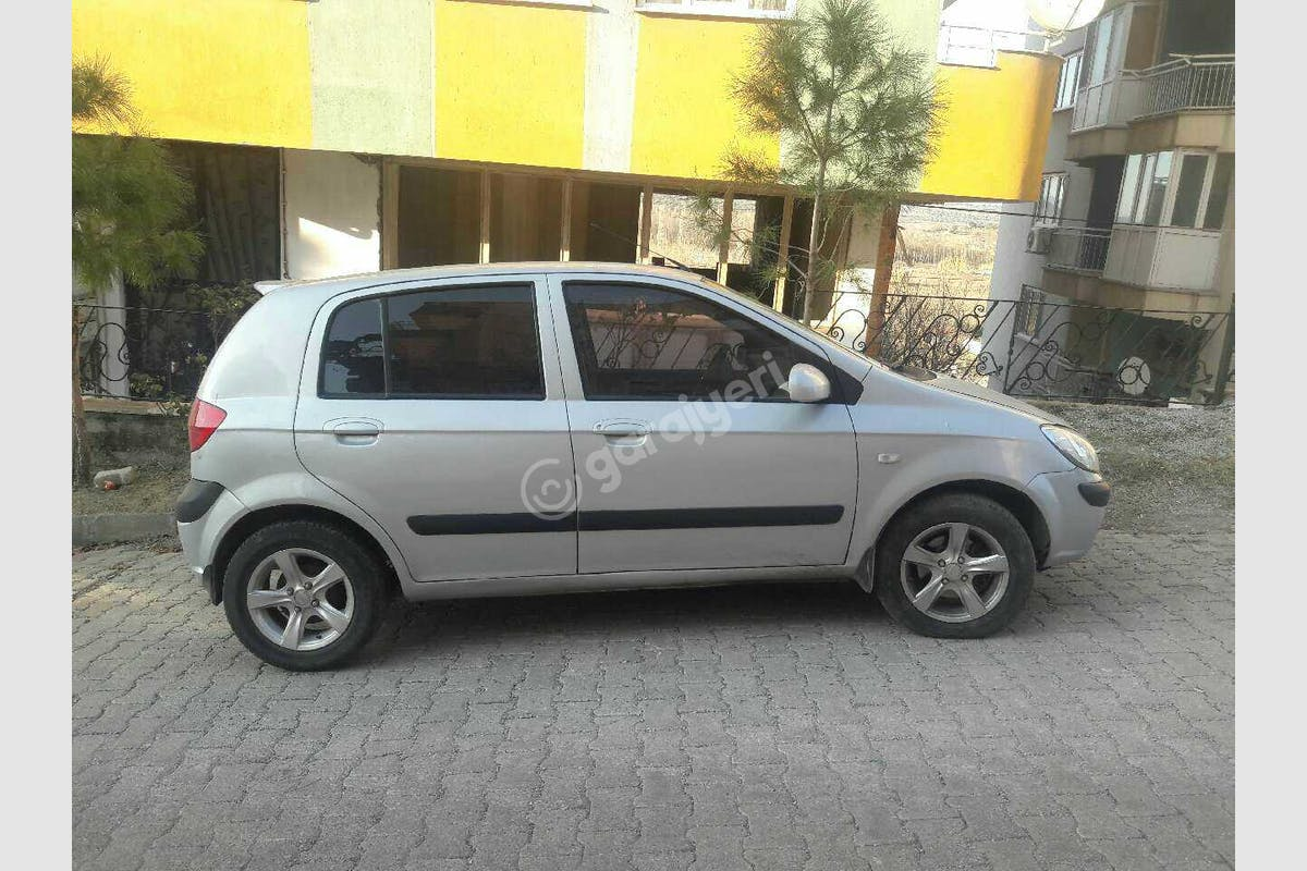 Hyundai Getz Kırkağaç Kiralık Araç 3. Fotoğraf