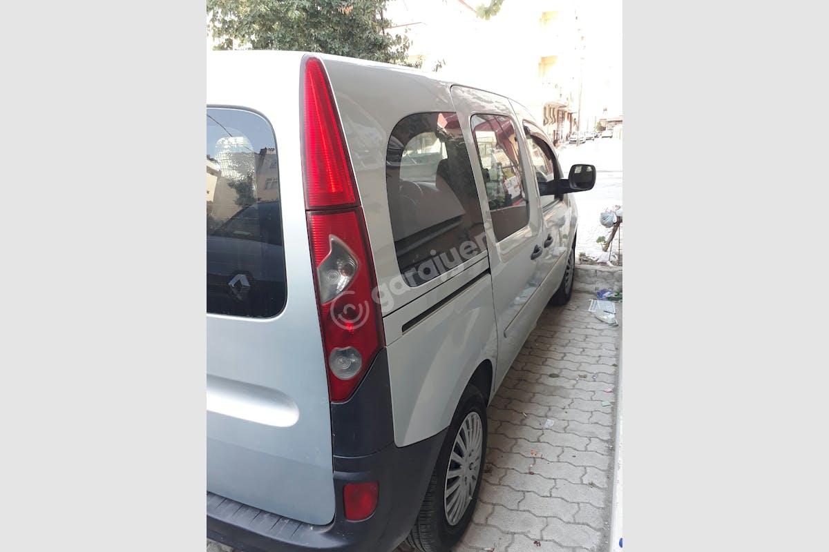 Renault Kangoo Küçükçekmece Kiralık Araç 3. Fotoğraf