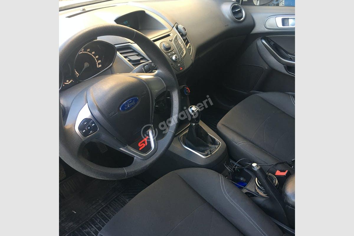 Ford Fiesta Beşiktaş Kiralık Araç 4. Fotoğraf