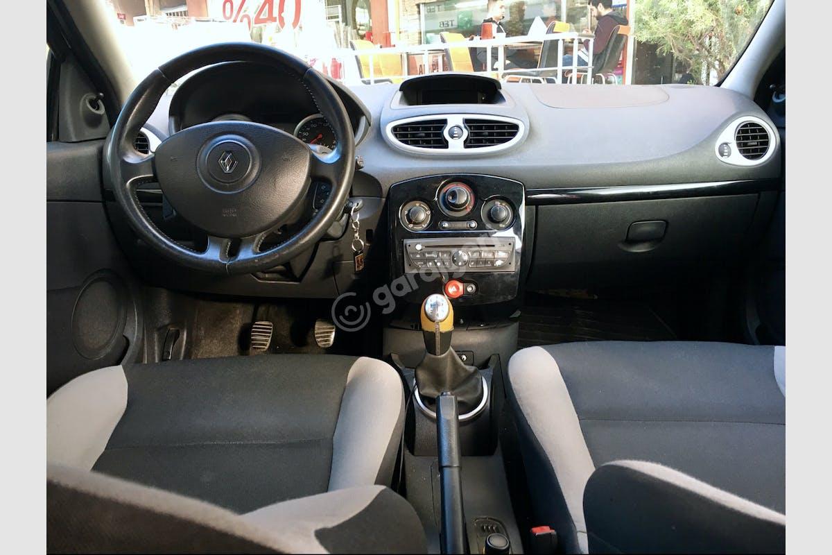 Renault Clio Kartal Kiralık Araç 3. Fotoğraf