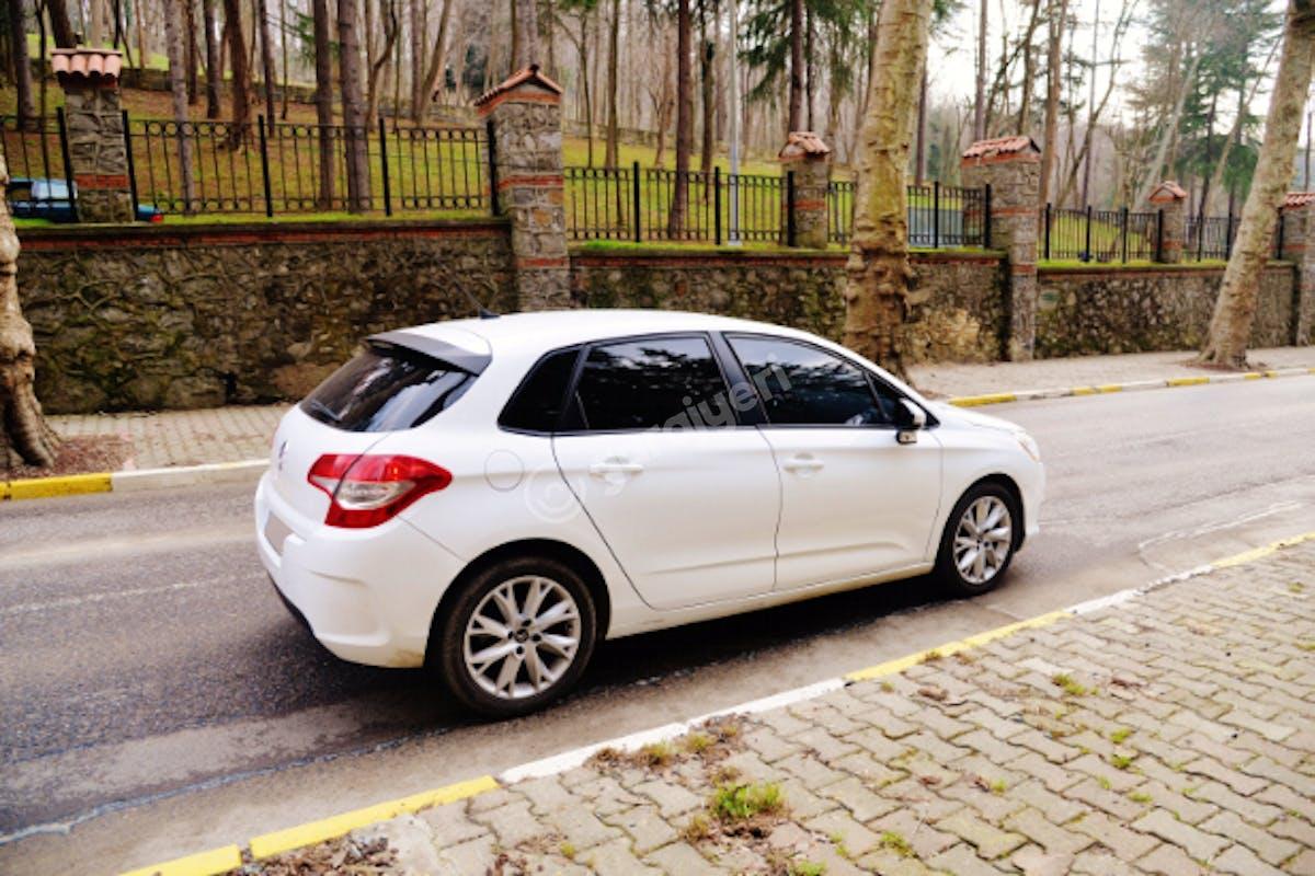 Citroën C4 Kadıköy Kiralık Araç 6. Fotoğraf