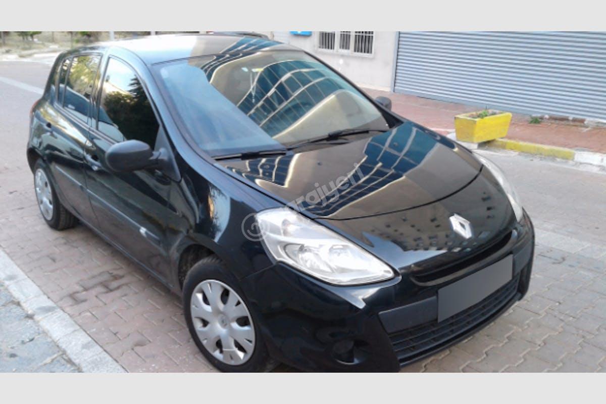 Renault Clio Avcılar Kiralık Araç 1. Fotoğraf