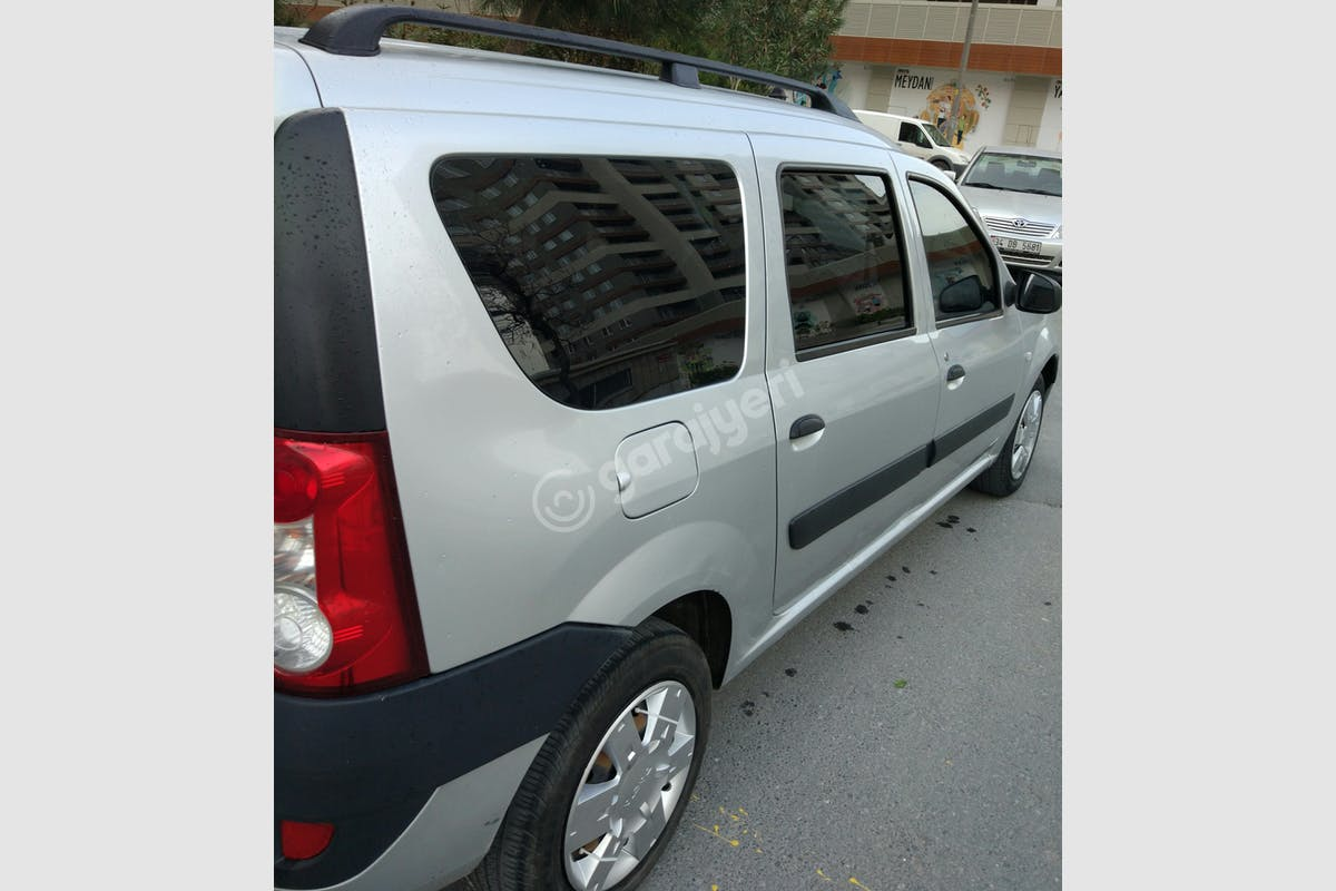 Dacia Logan MCV Bağcılar Kiralık Araç 1. Fotoğraf