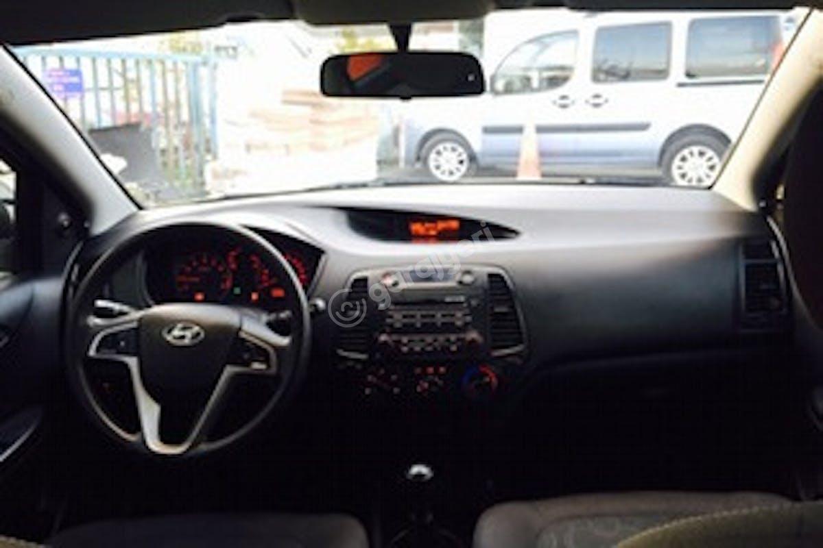 Hyundai i20 Beykoz Kiralık Araç 5. Fotoğraf
