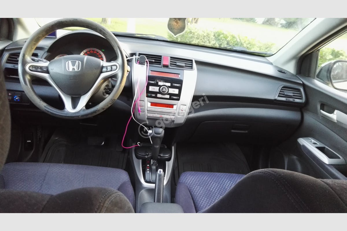 Honda City Esenyurt Kiralık Araç 12. Fotoğraf