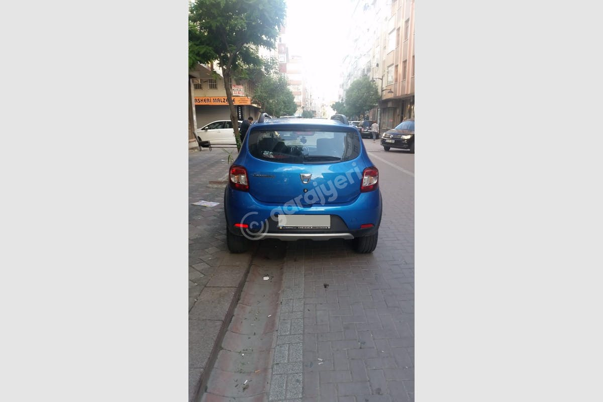Dacia Sandero Stepway Zeytinburnu Kiralık Araç 5. Fotoğraf