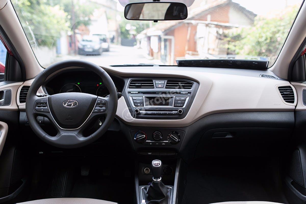 Hyundai i20 Ümraniye Kiralık Araç 7. Fotoğraf