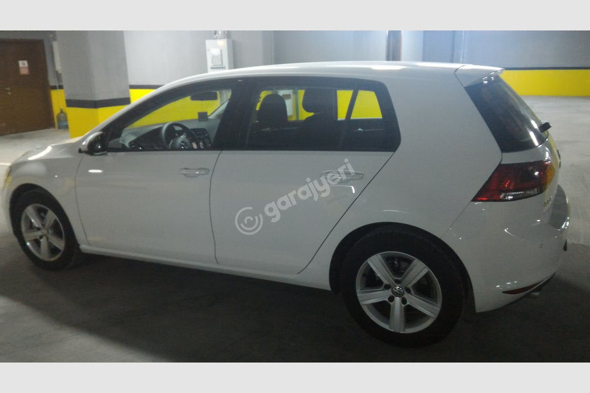 Volkswagen Golf Esenler Kiralık Araç 2. Fotoğraf