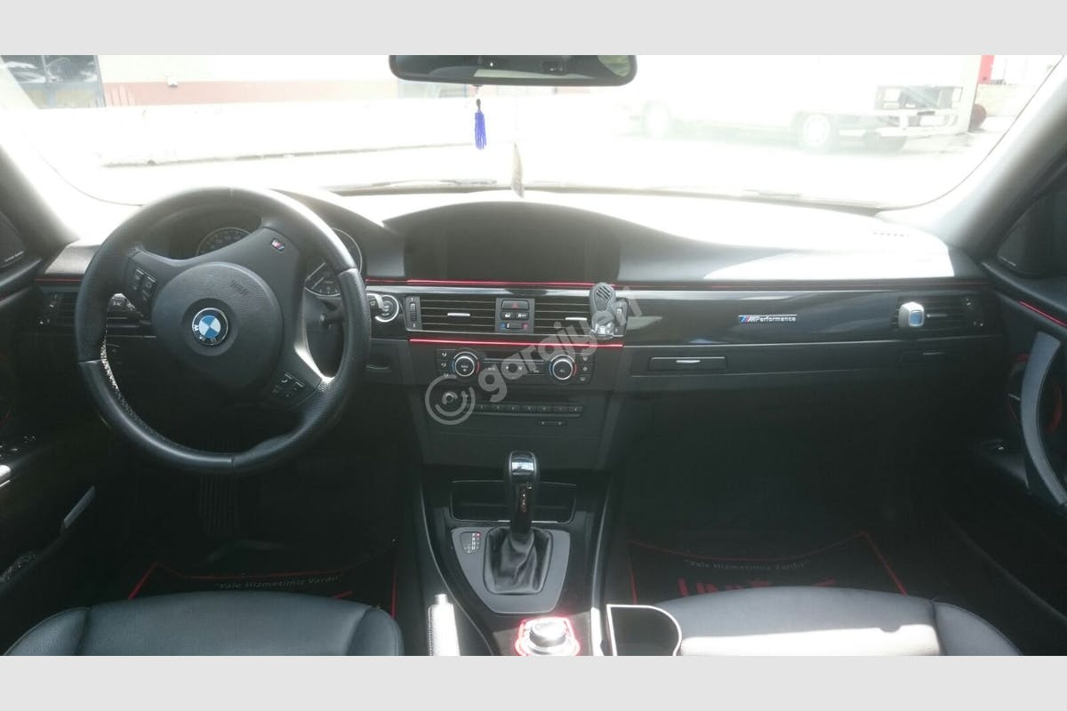 BMW 3 Beylikdüzü Kiralık Araç 4. Fotoğraf