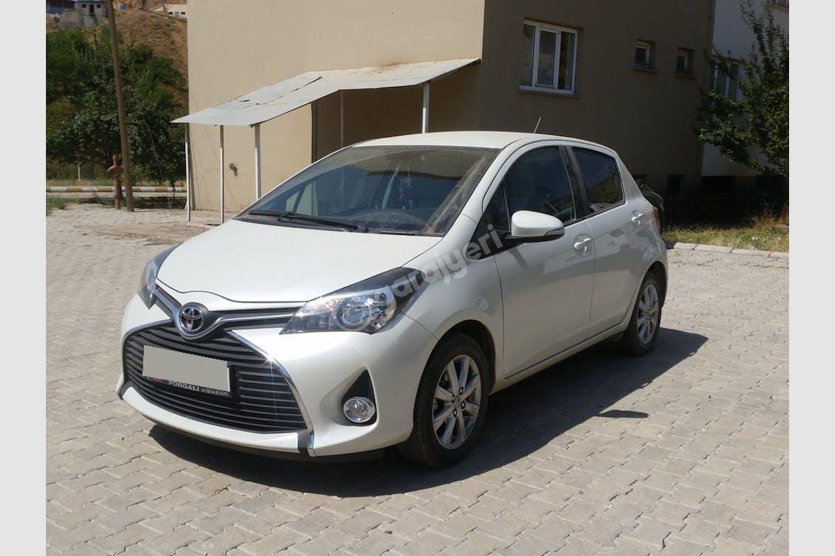 Toyota Yaris Merkez Kiralık Araç 2. Fotoğraf